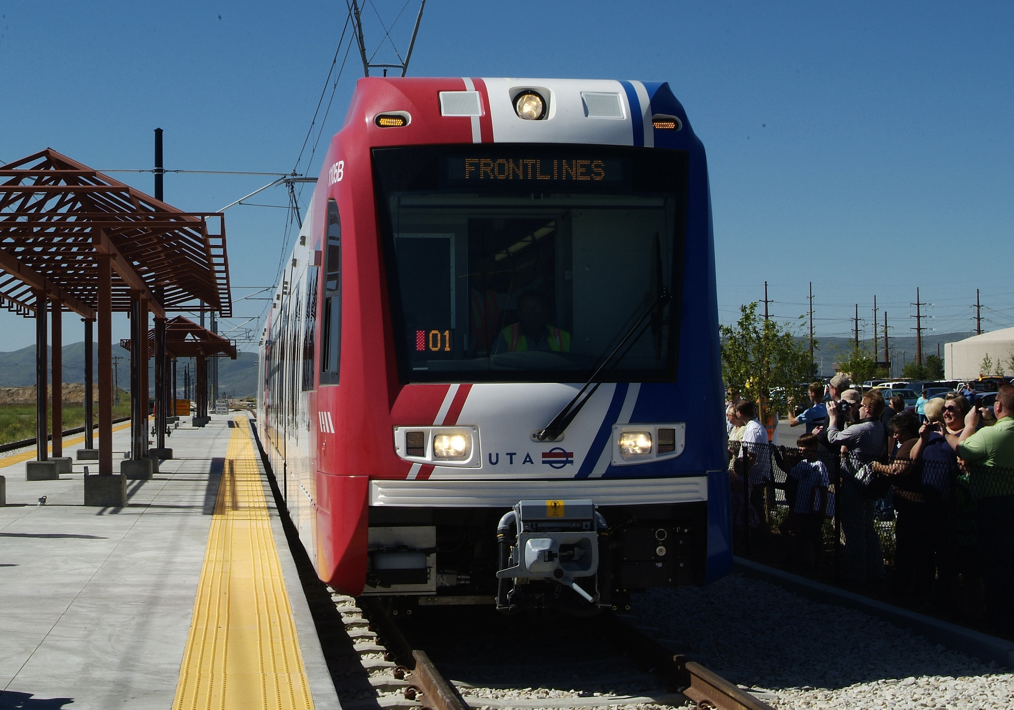 light-rail-arriving