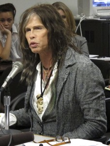 Aerosmith lead singer Steven Tyler testifying on celebrity privacy during a hearing at the Hawaii Capitol in Honolulu. (AP Photo)