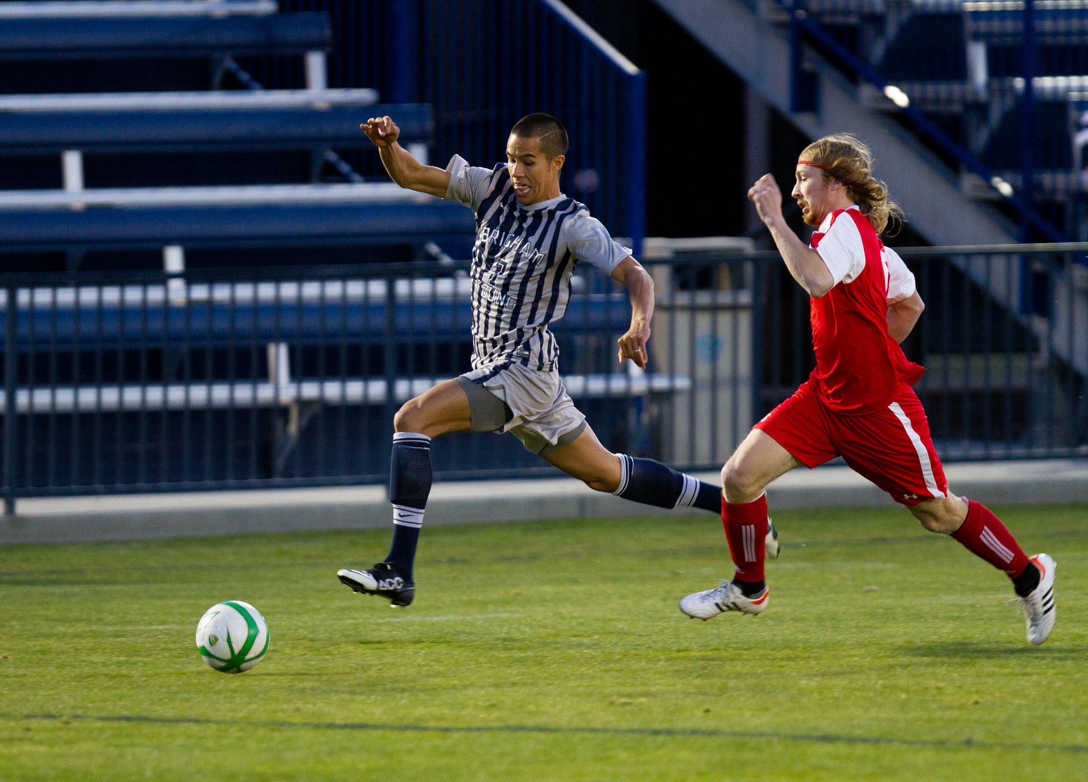 Garrett Gee attempts to outrun a player. (Photo by Sarah Hill)