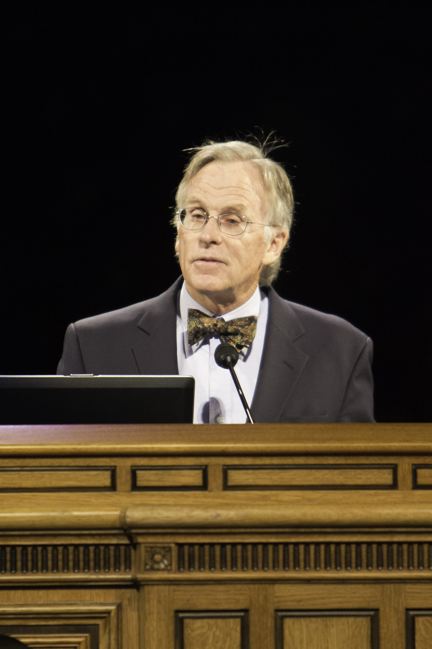 Dr. Beeman addresses students at Tuesday's BYU forum assembly.