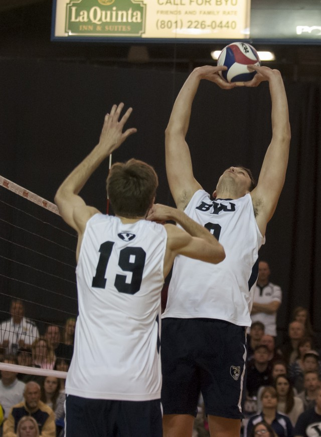 BYU men's volleyball team sweeps No. 4 Pepperdine