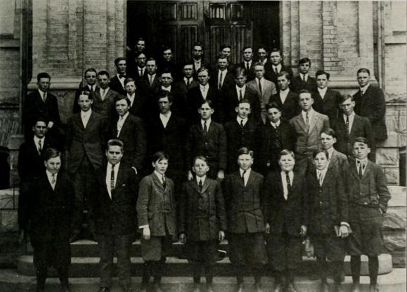 High School Students 1914