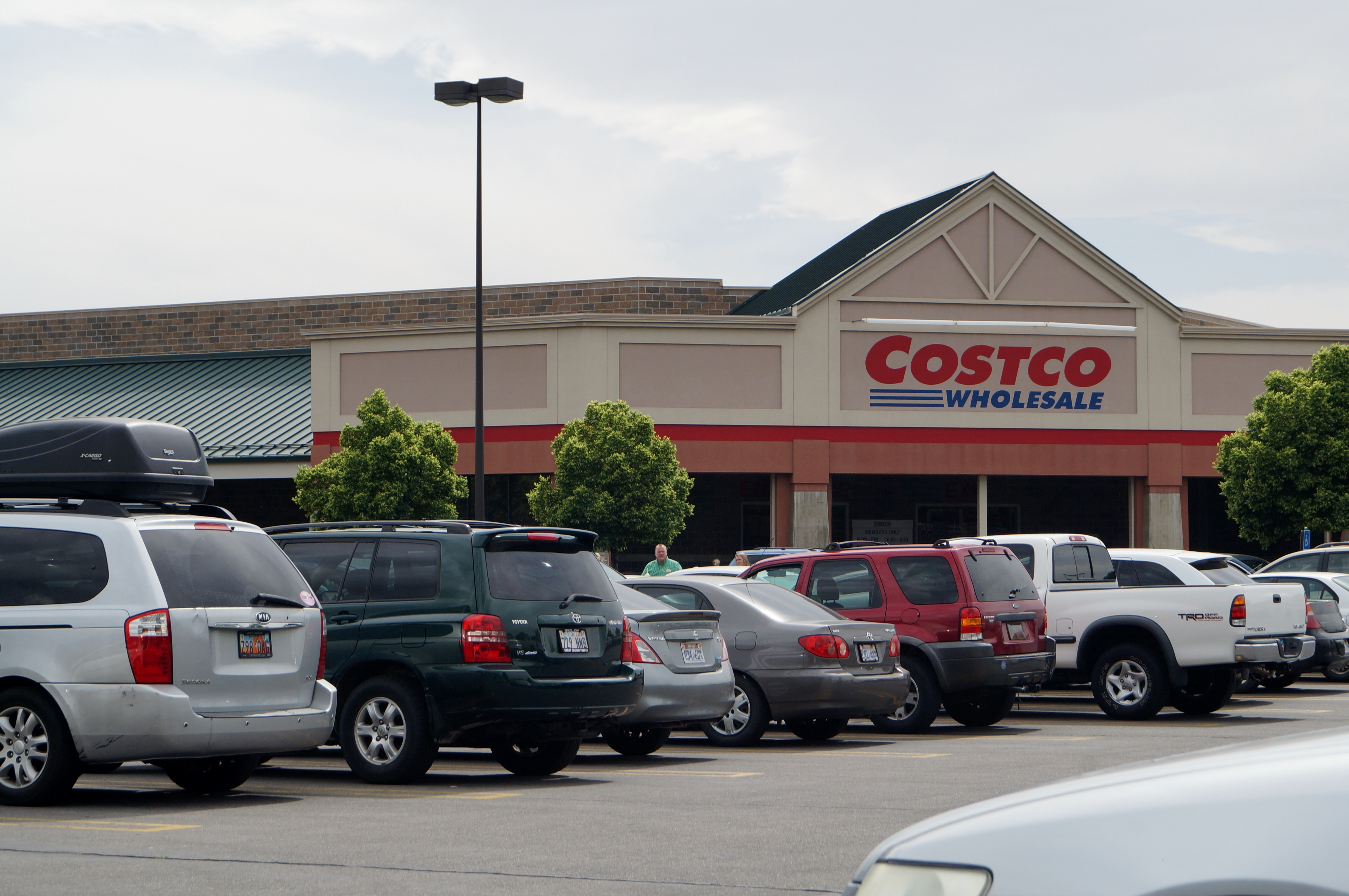 evaluating the cost of buying items in bulk the daily universe costco whole in orem 462 areas of operation in the u s and puerto rico costco provides bulk goods for an annual membership fee