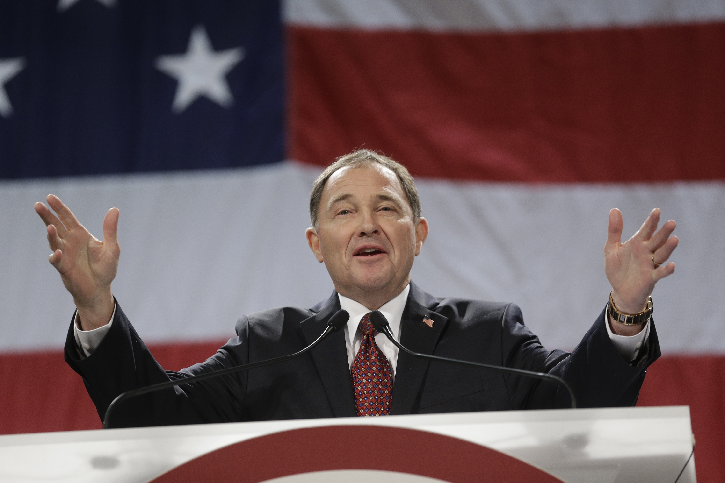 Utah Gov. Gary Herbert addresses delegates during the Utah Republican Party nominating convention in Sandy (April 26, 2014 file photo).