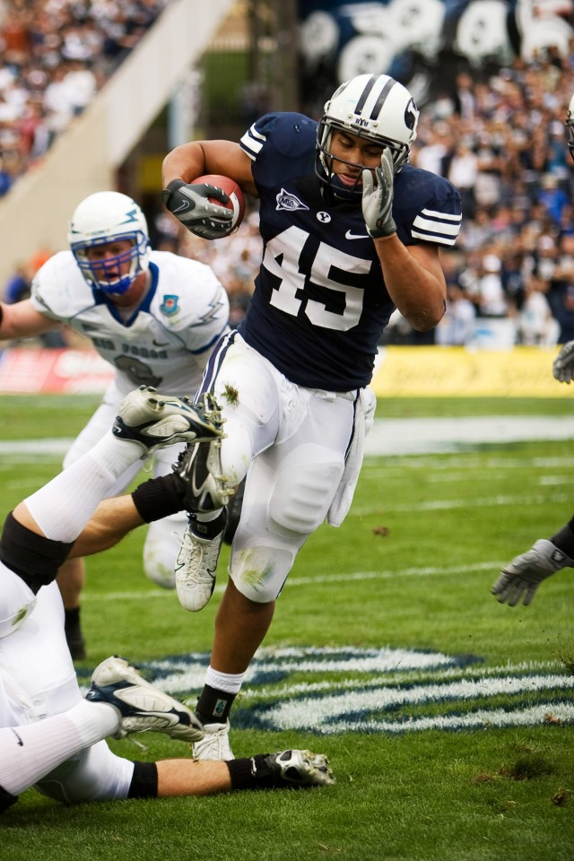 Harvey Unga's NFL aspirations featured on 'Undrafted'