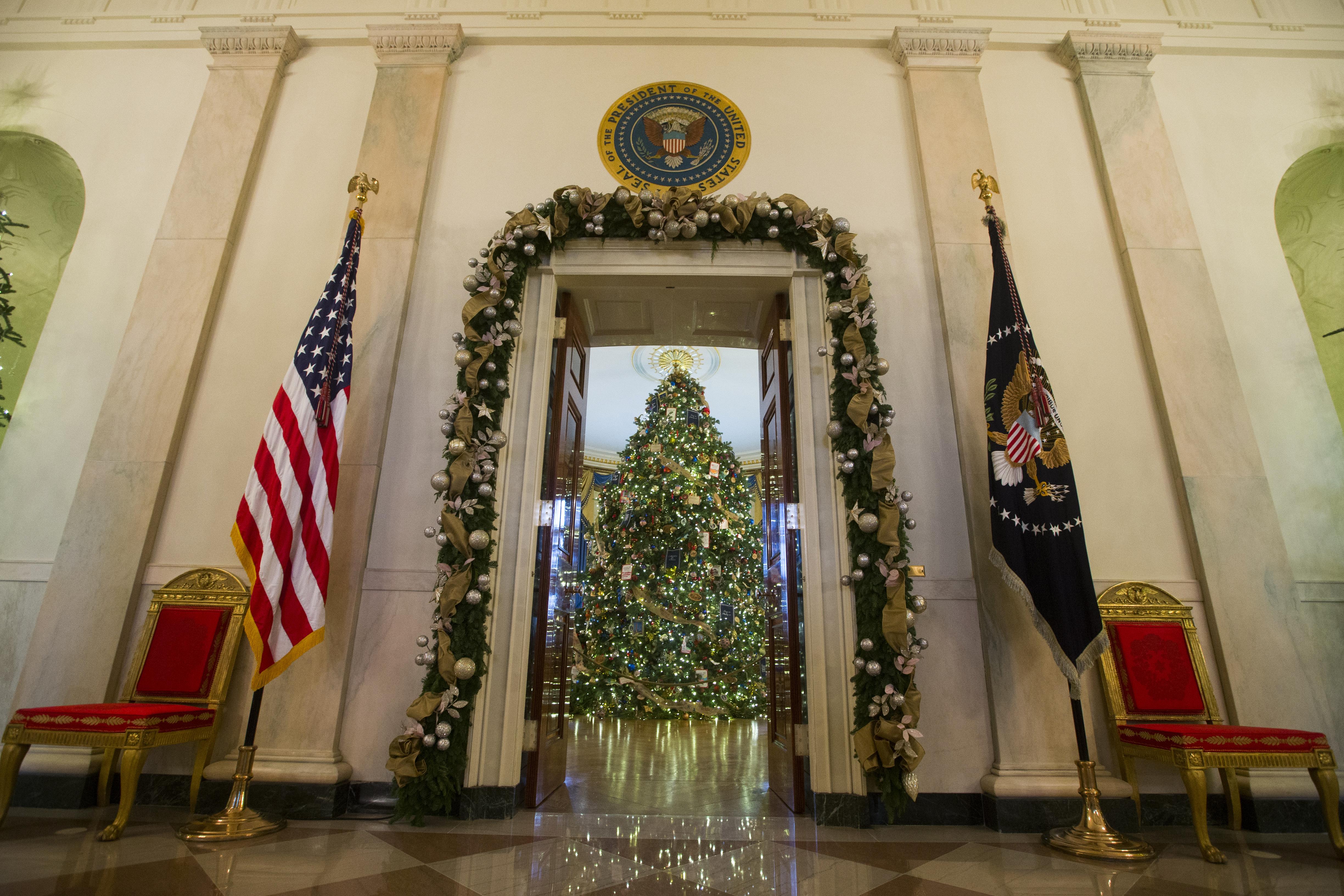 White House Decoratio Bing