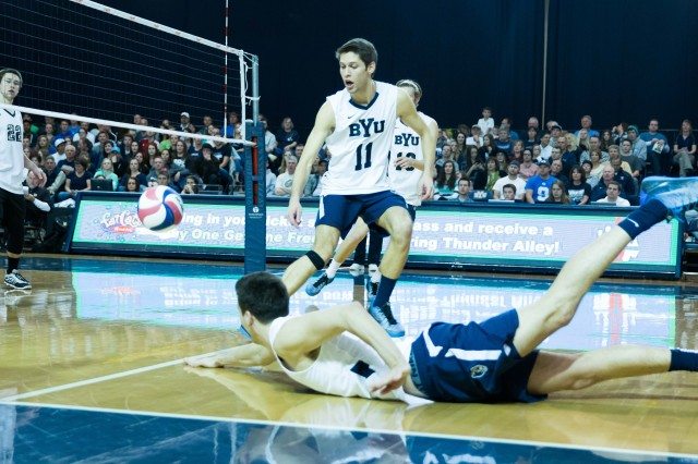 Men's volleyball takes an easy 3-0 win over Cal State Northridge
