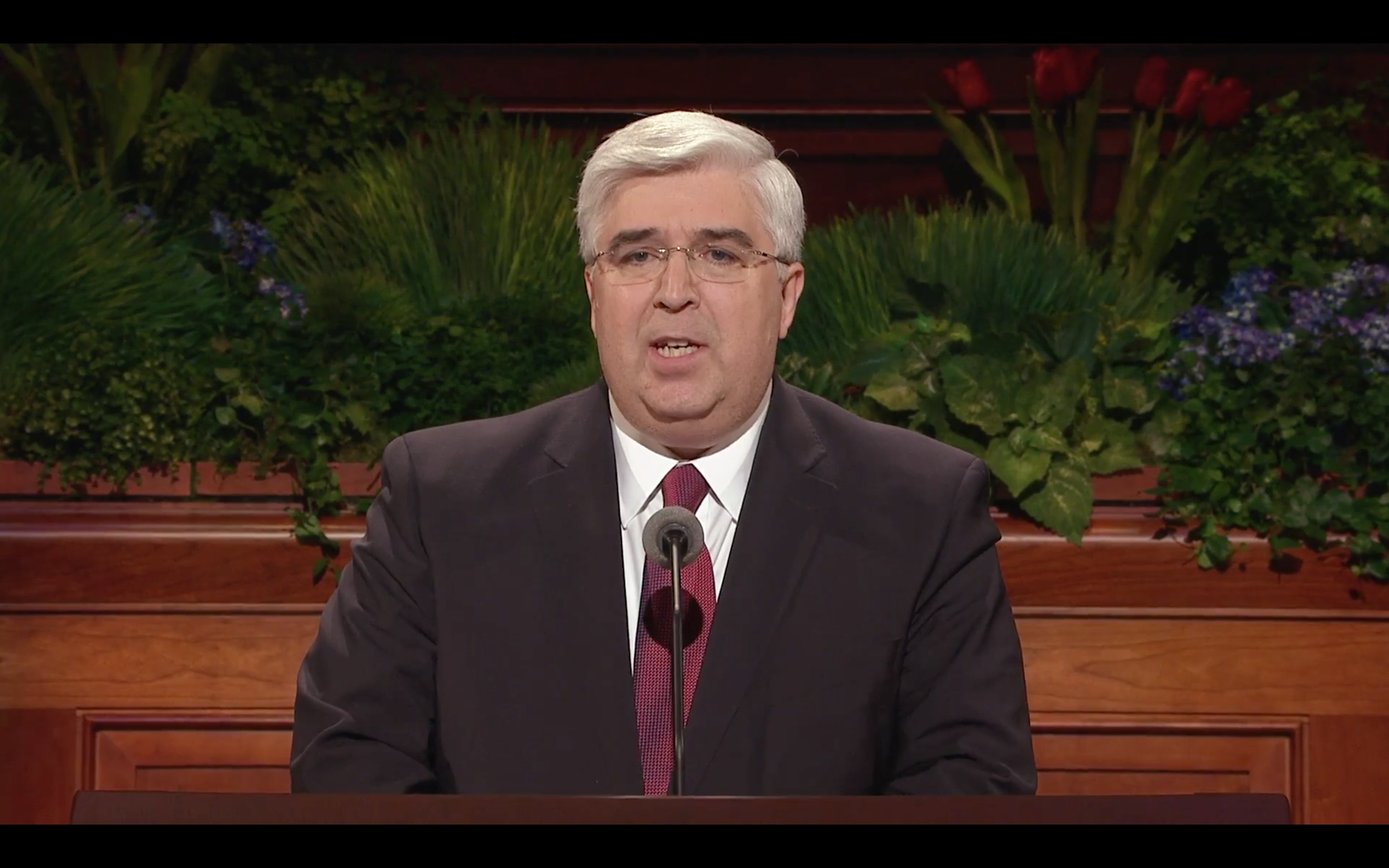 Elder Jose A. Teixera speaks at the Sunday Morning Session of the 185th Annual General Conference. (LDS.org)
