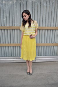 """Hannah Woolley modeling """"Mellow Yellow"""" sister missionary style"""