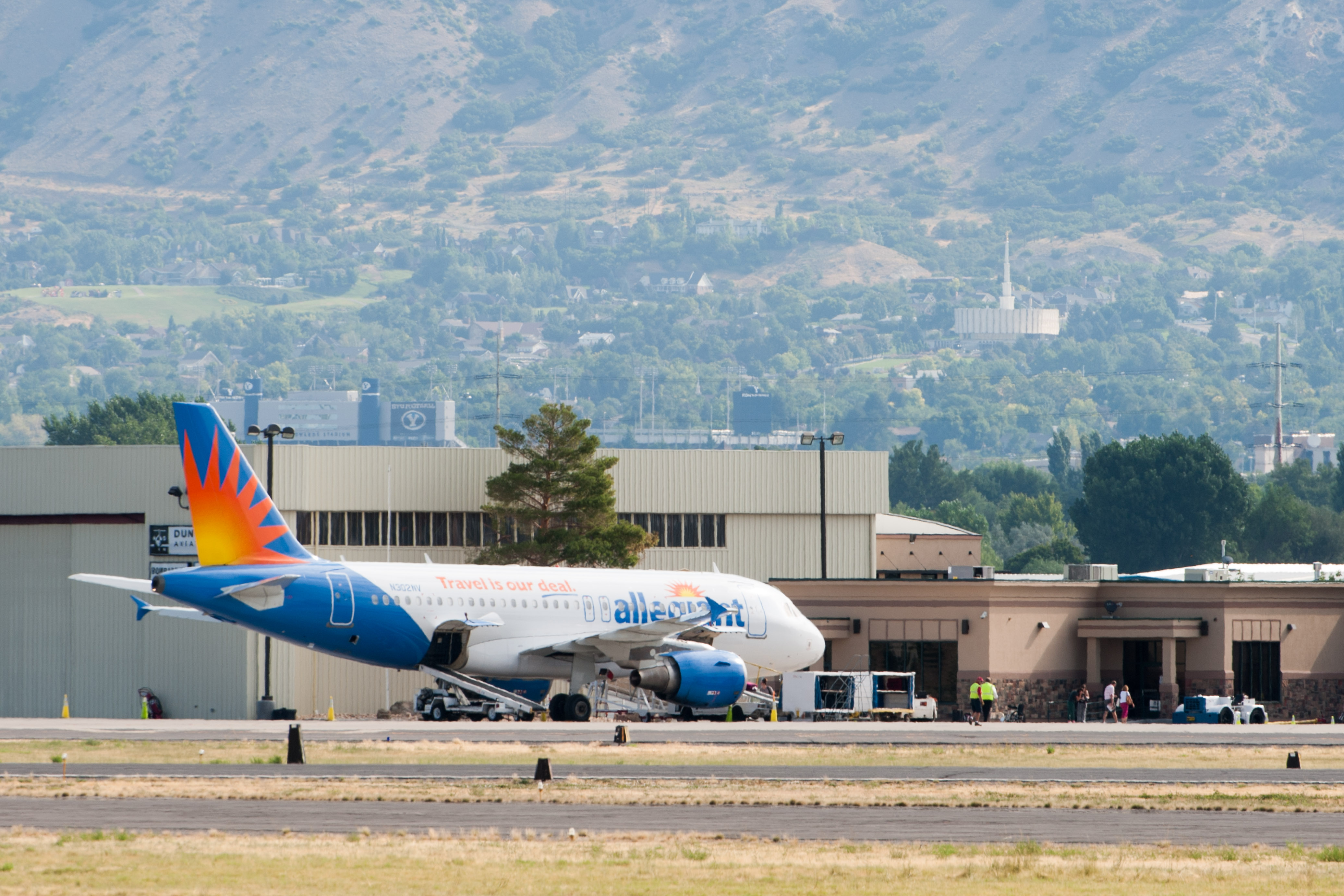 New Los Angeles Flight Added To Provo Airport The Daily