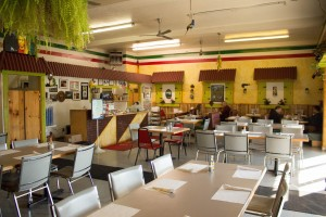 El Mexsal, a Mexican and Salvadorian restaurant on Freedom Boulevard. (Photo by Ari Davis.)