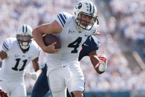 Taysom Hill runs the football in BYU's Sept. 20 win over Virginia. (Universe Photo)