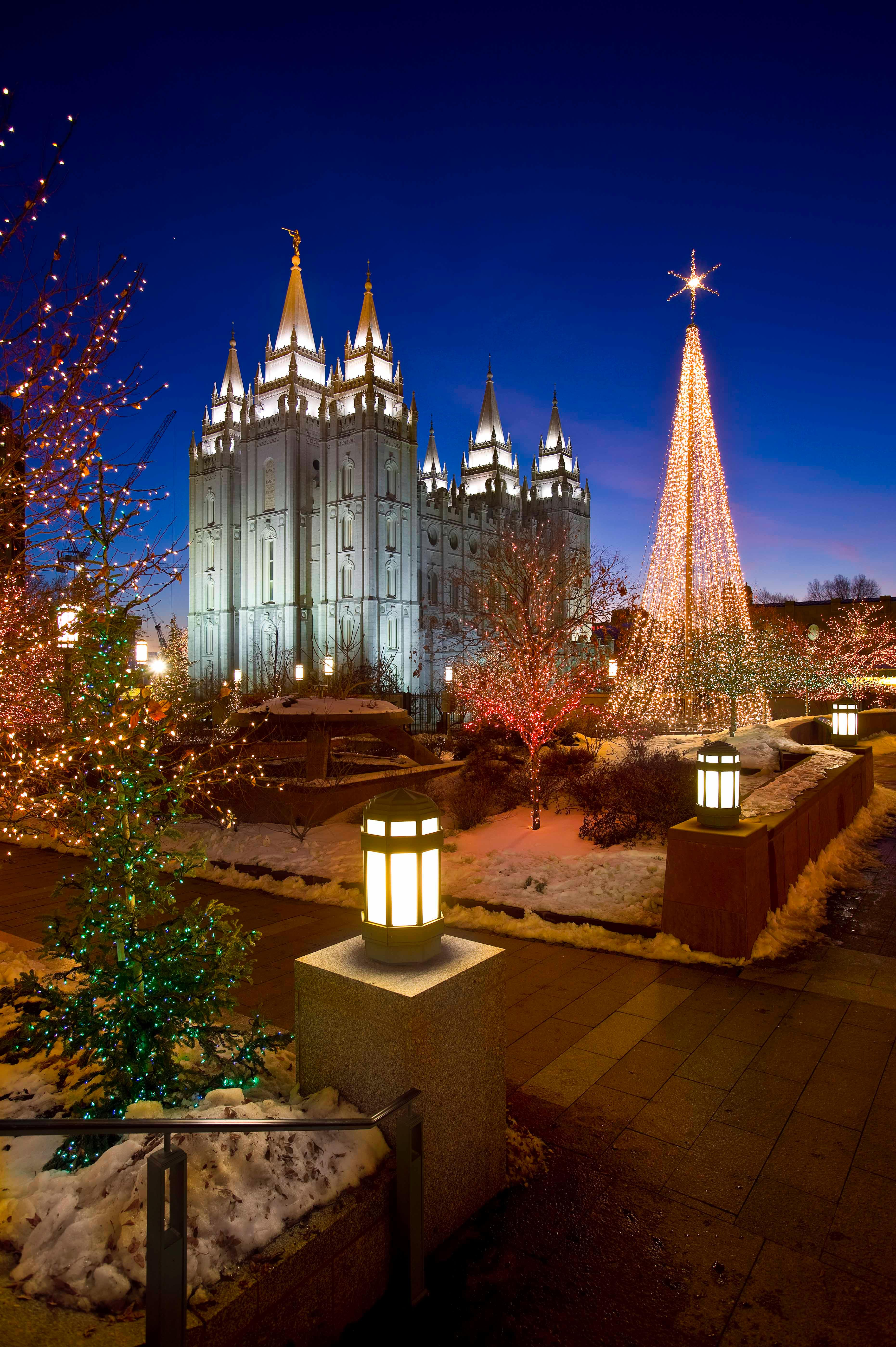Christmas Lights Dazzle Temple Square The Daily Universe