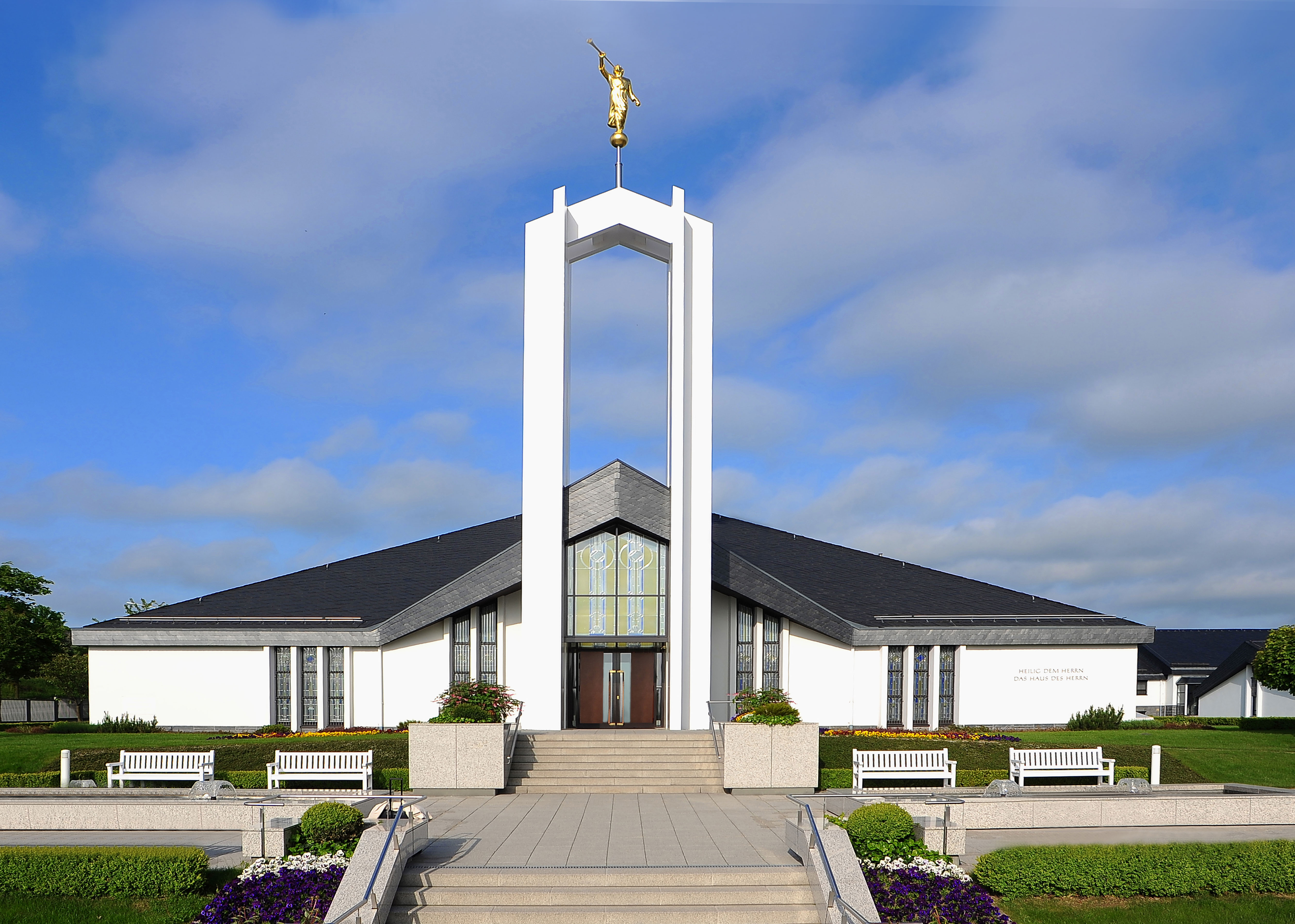 4 LDS temples to be dedicated, renovated in 2015 - The Daily