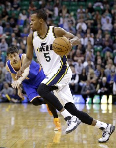 Utah Jazz guard Rodney Hood drives to the basket in Utah's 87-82 win over New York on March 10, 2015. (AP Photo/Rick Bowmer)