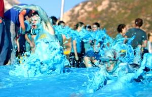 Students participate in the annual true blue foam event. (Universe Photo)