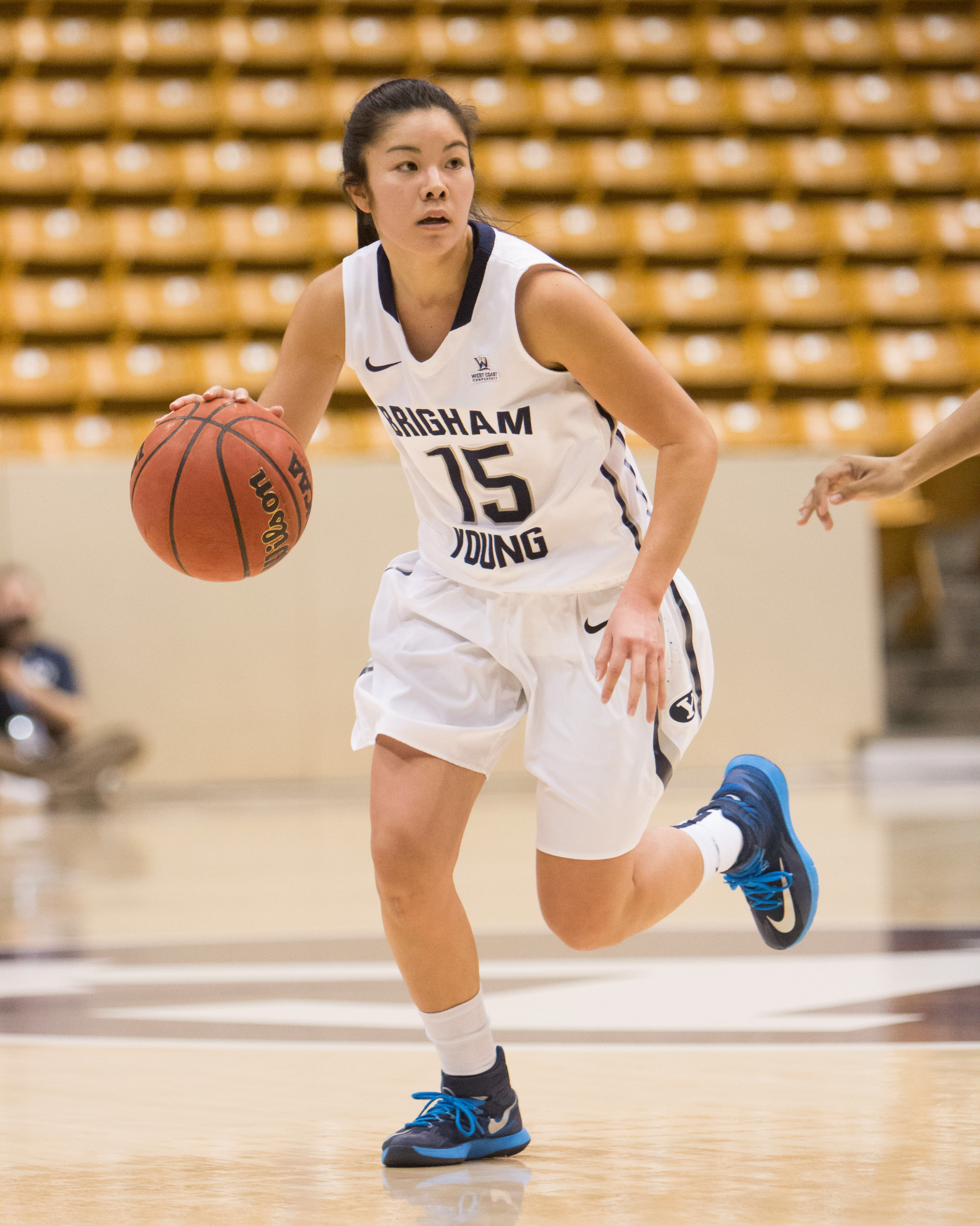 Blue and white scrimmage prepares the women's basketball team for a winning season