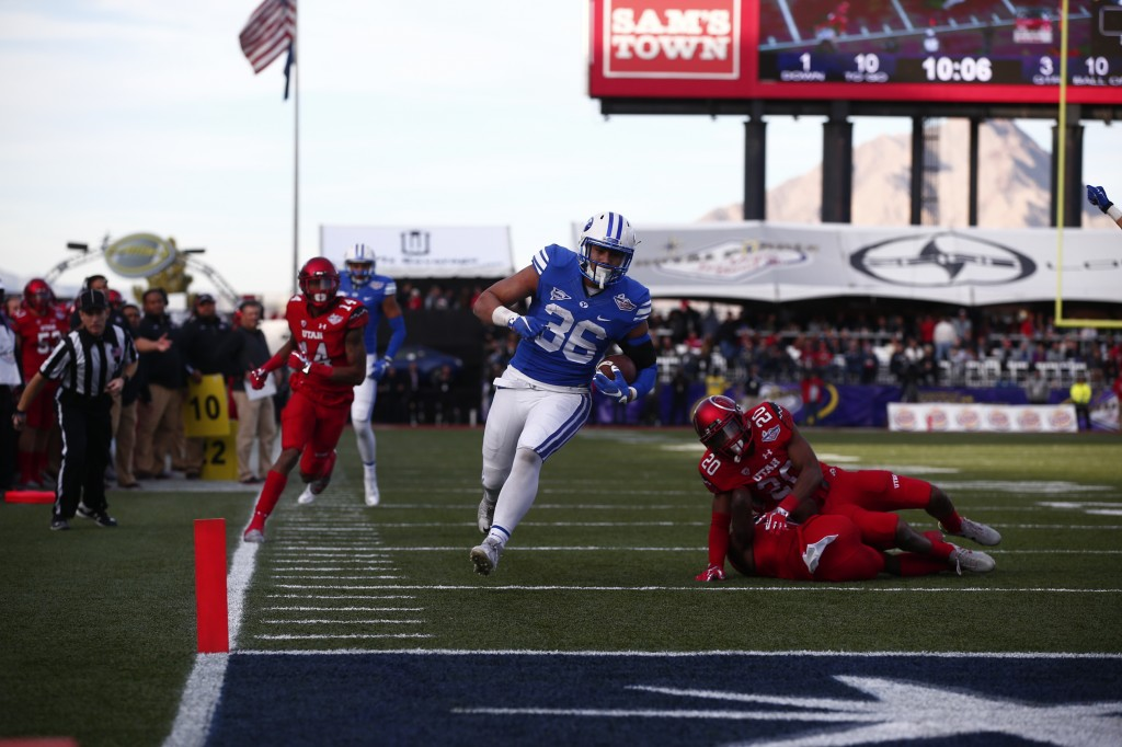 Francis Bernard runs into the end zone for a touchdown. Bernard had XXX STATS ABOUT FRANCIS AT GAME-END (BYU Photo)