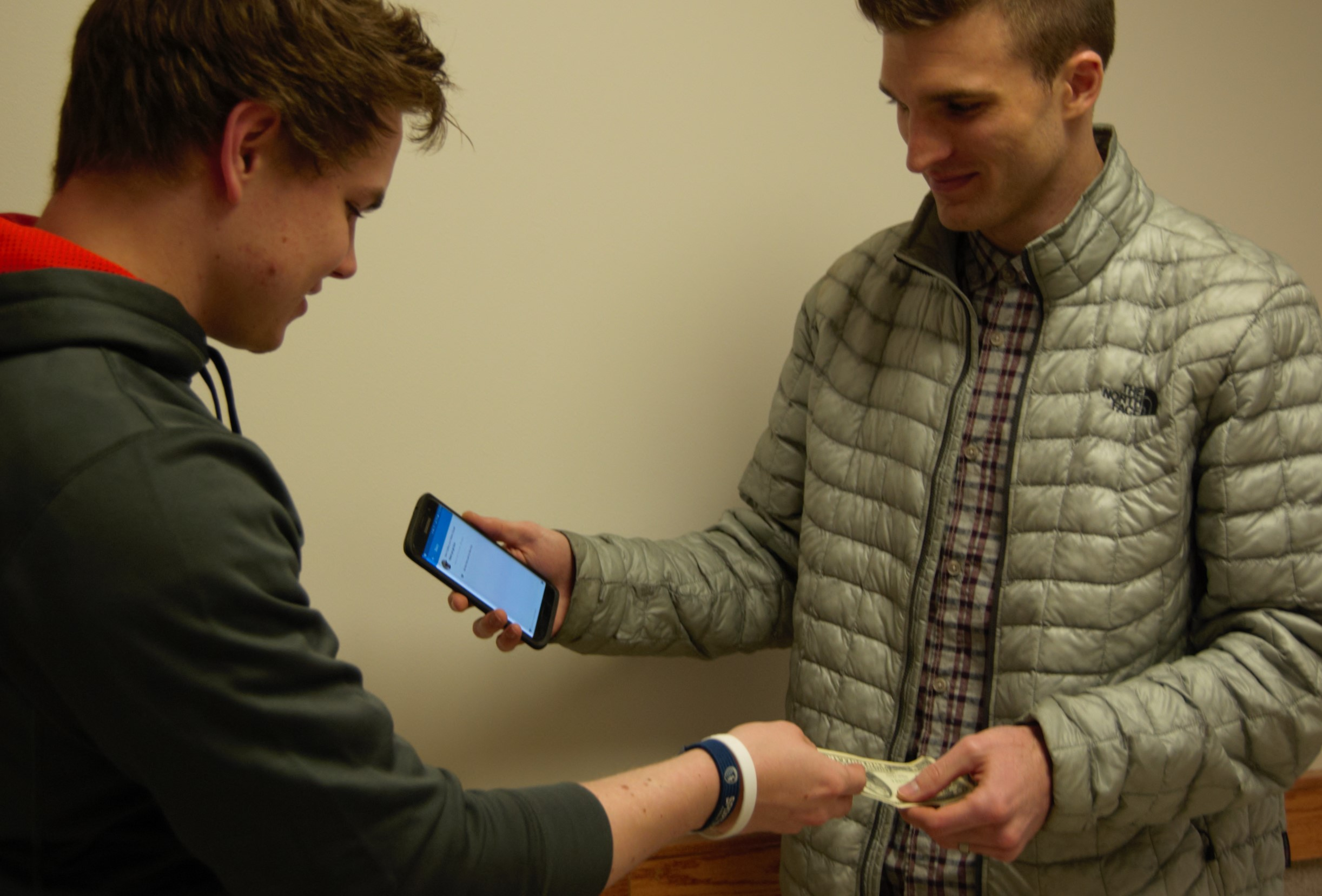 BYU students cut out cash with Venmo - The Daily Universe