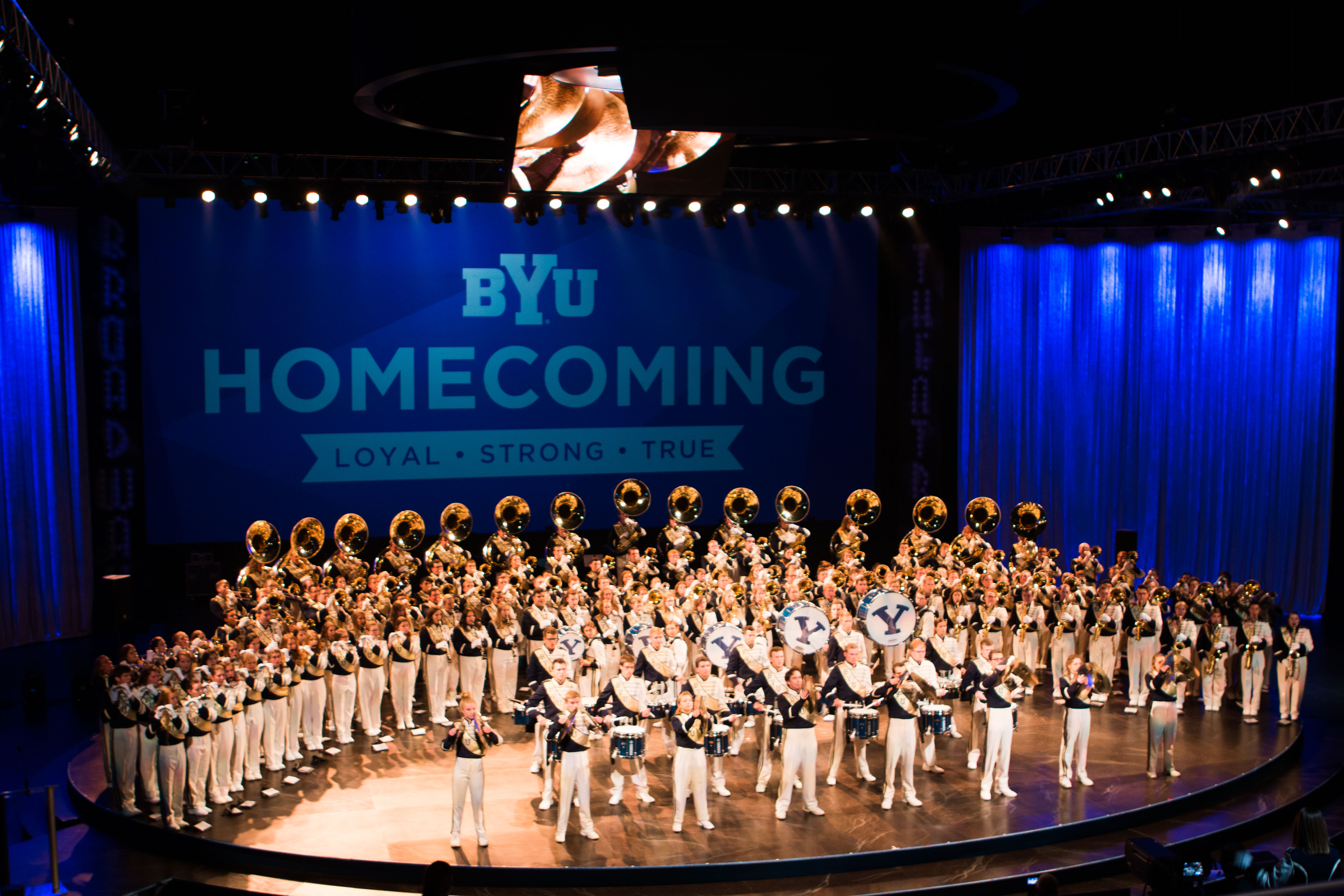 Lavell Edwards remembered in homecoming opening ceremonies