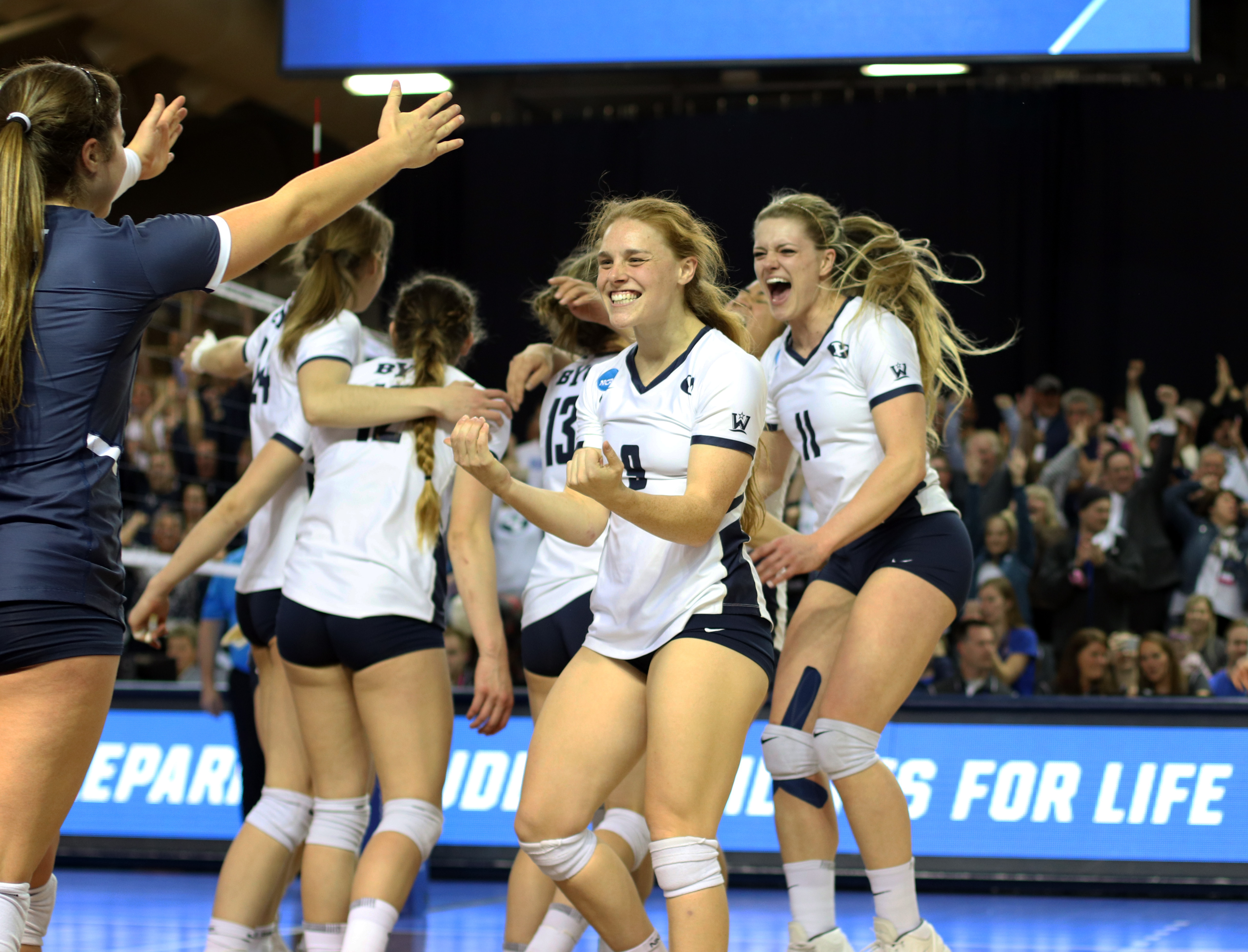 06b8df19c216 BYU women s volleyball headed to Final Four after defeating Florida ...