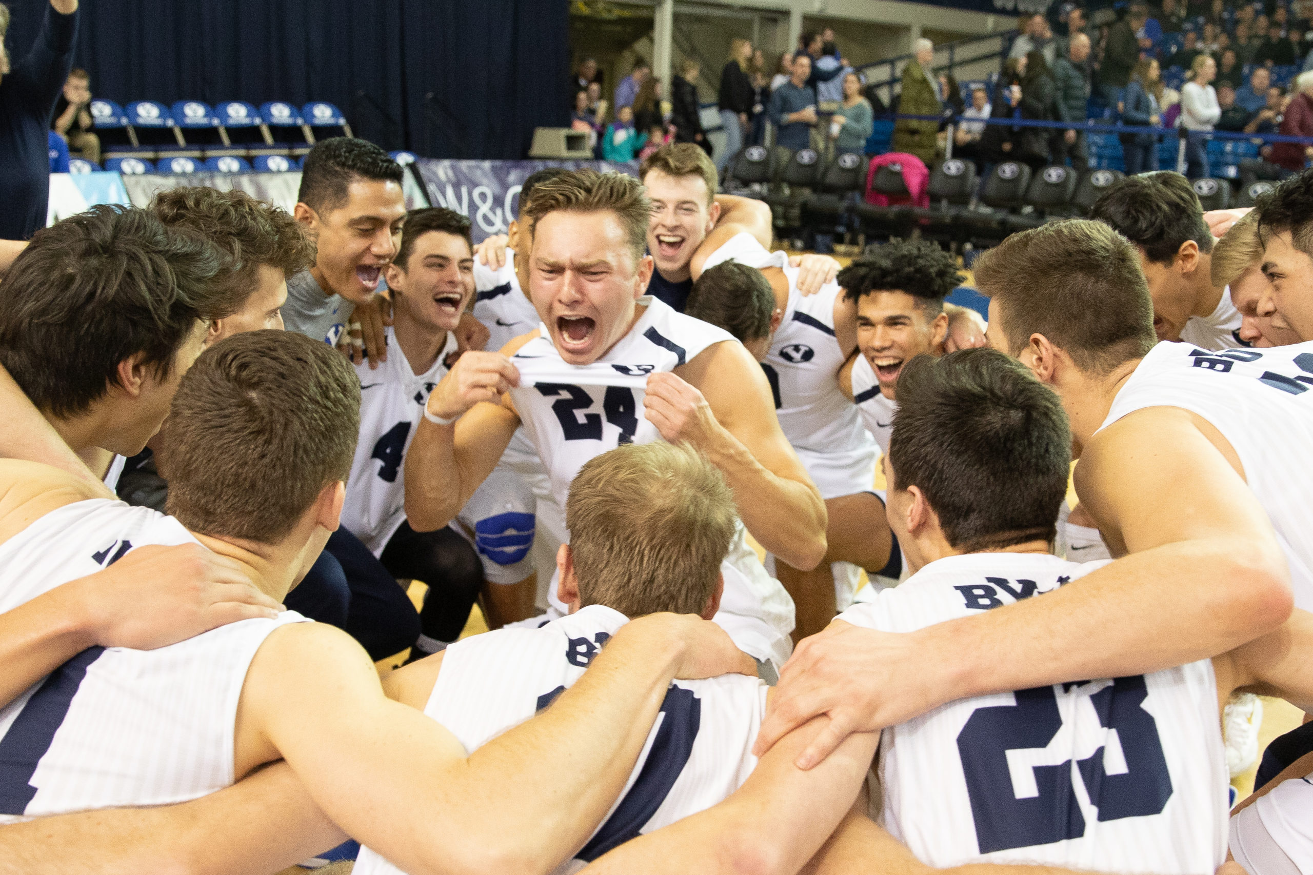 No 2 Byu Men S Volleyball Remains Undefeated After Victories Over No 3 Ucsb The Daily Universe