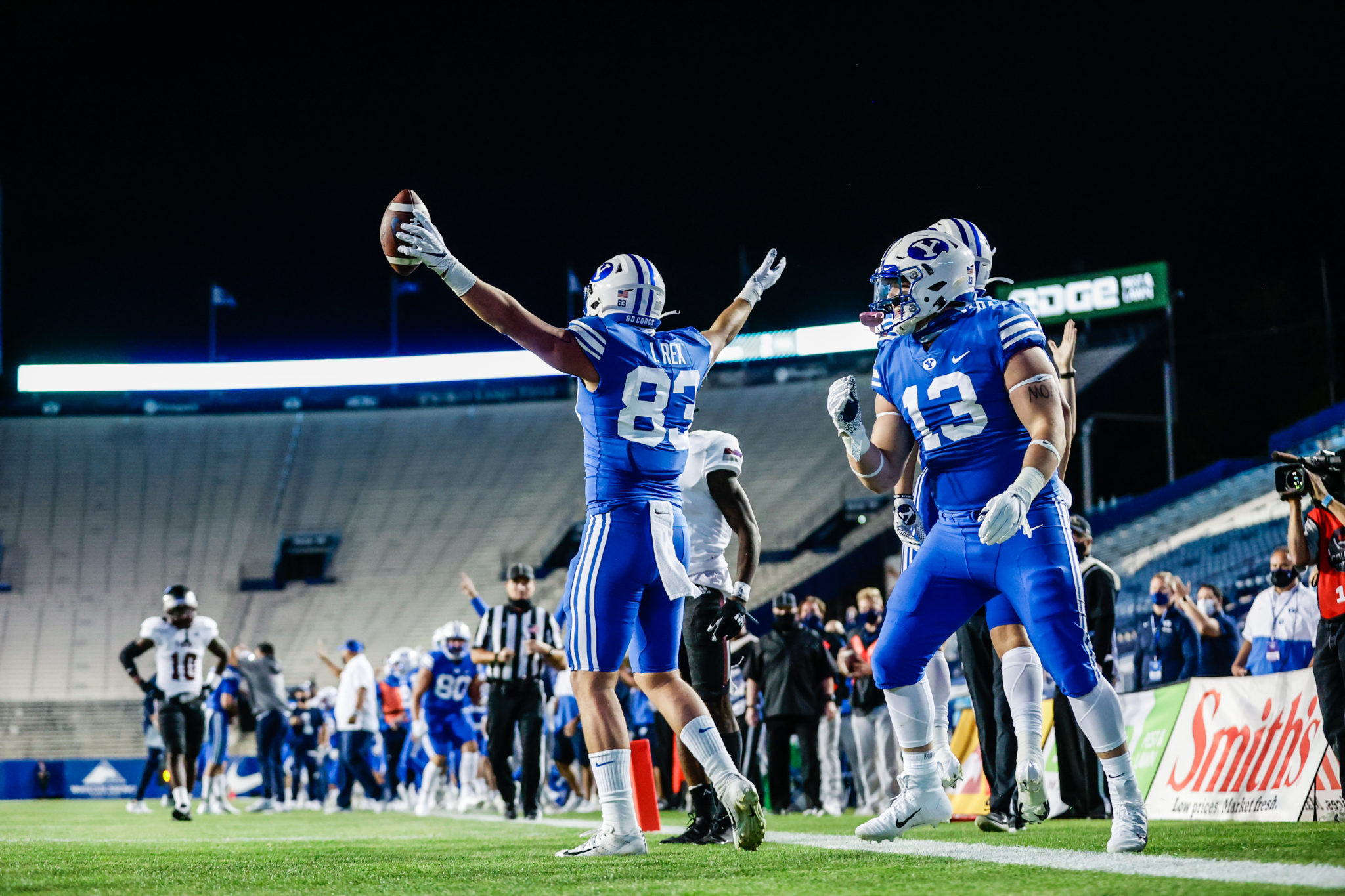Several Cougars have career nights in 48-7 win over Troy